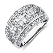 Ring with 1 1/4 Carat TW of Diamonds in 10kt White Gold