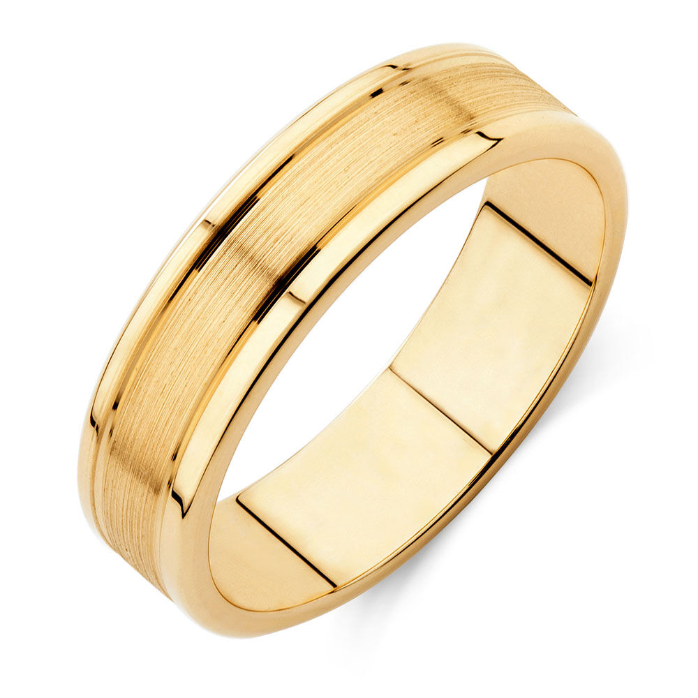 Menu0027s Wedding Band In 10kt Yellow Gold