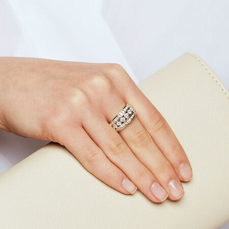 Ring with 1 1/2 Carat TW of Diamonds in 14kt Yellow Gold