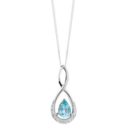 Pendant with Aquamarine & Diamonds in 10kt White Gold