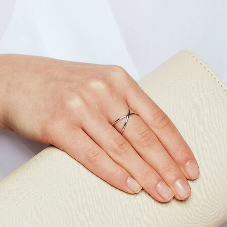 Geometric Crossover Ring in Sterling Silver