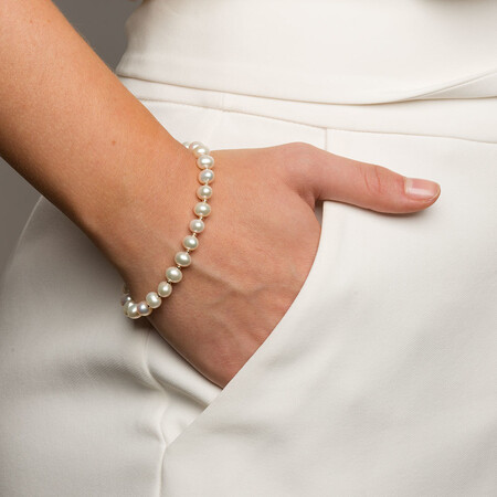 Bracelet with Cultured Freshwater Pearl in 10kt Yellow Gold