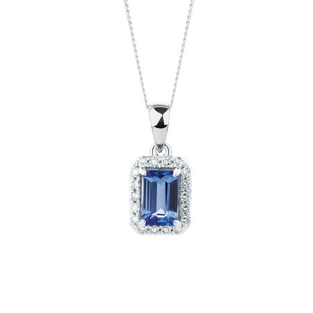 Pendant with Tanzanite & Diamonds in 10kt White Gold