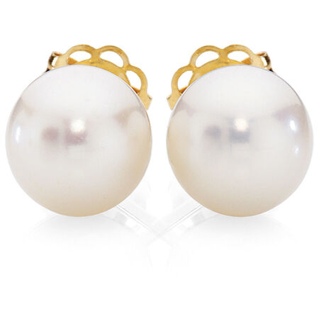 Stud Earrings with Cultured Freshwater Pearl in 10kt Yellow Gold