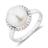 Ring with a Cultured Freshwater Pearl & Diamonds in 10kt White Gold